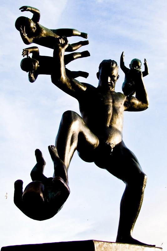 Gustav Vigeland: Man smashing babies