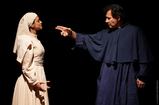 """ESTREIA - """"A Língua em Pedaços"""", peça baseada no segundo maior clássico literário espanhol, estreia no RJ em sessão no Sesc Teresópolis"""