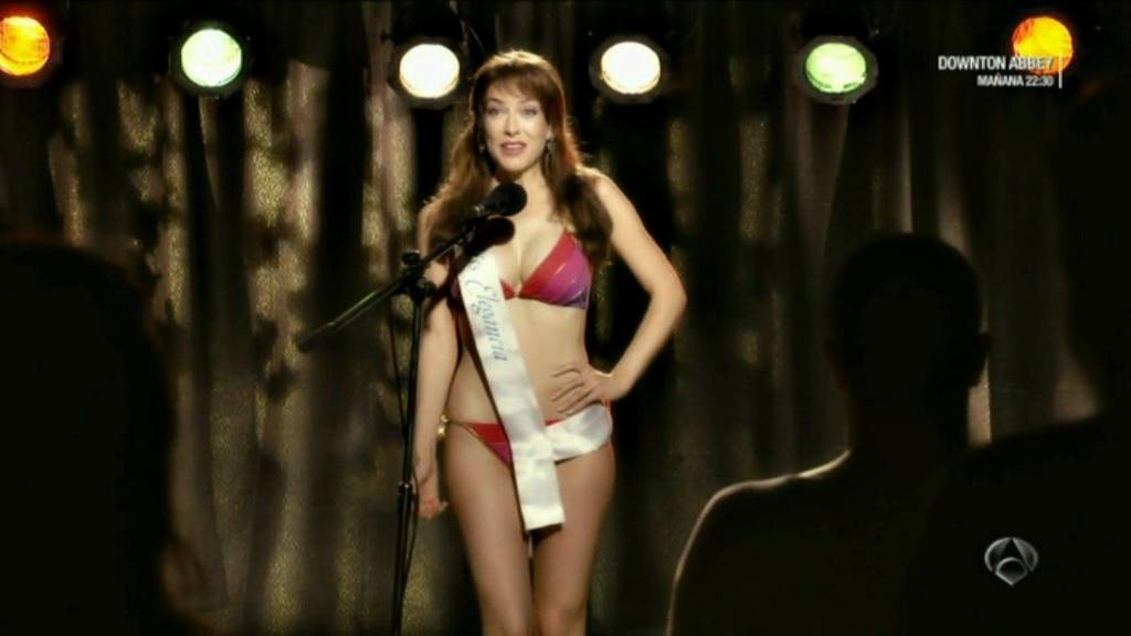 Kira Miro en bikini en Fenomenos Martes 27 Noviembre