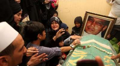 Photo Video Pemakaman Ustadz Jefry Al Bukhori