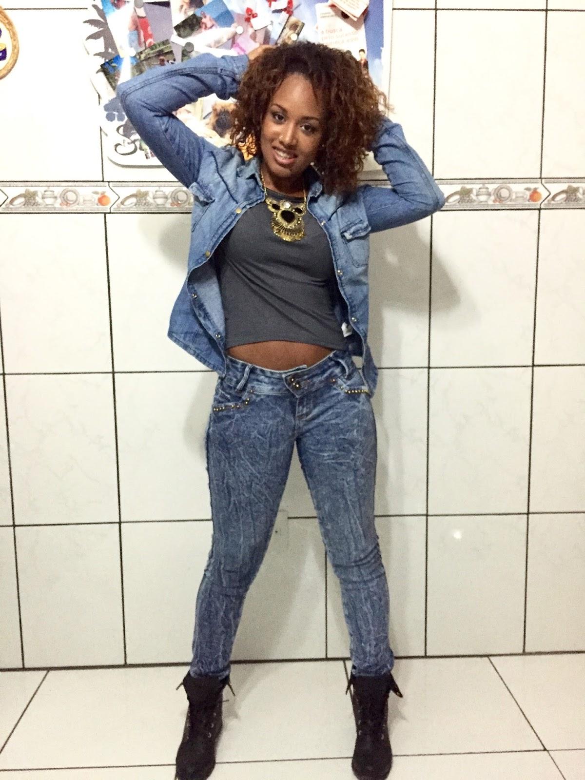 look do dia, look negras, negra, black, crespa, grazybraga, coturno, maxi colar, jeans