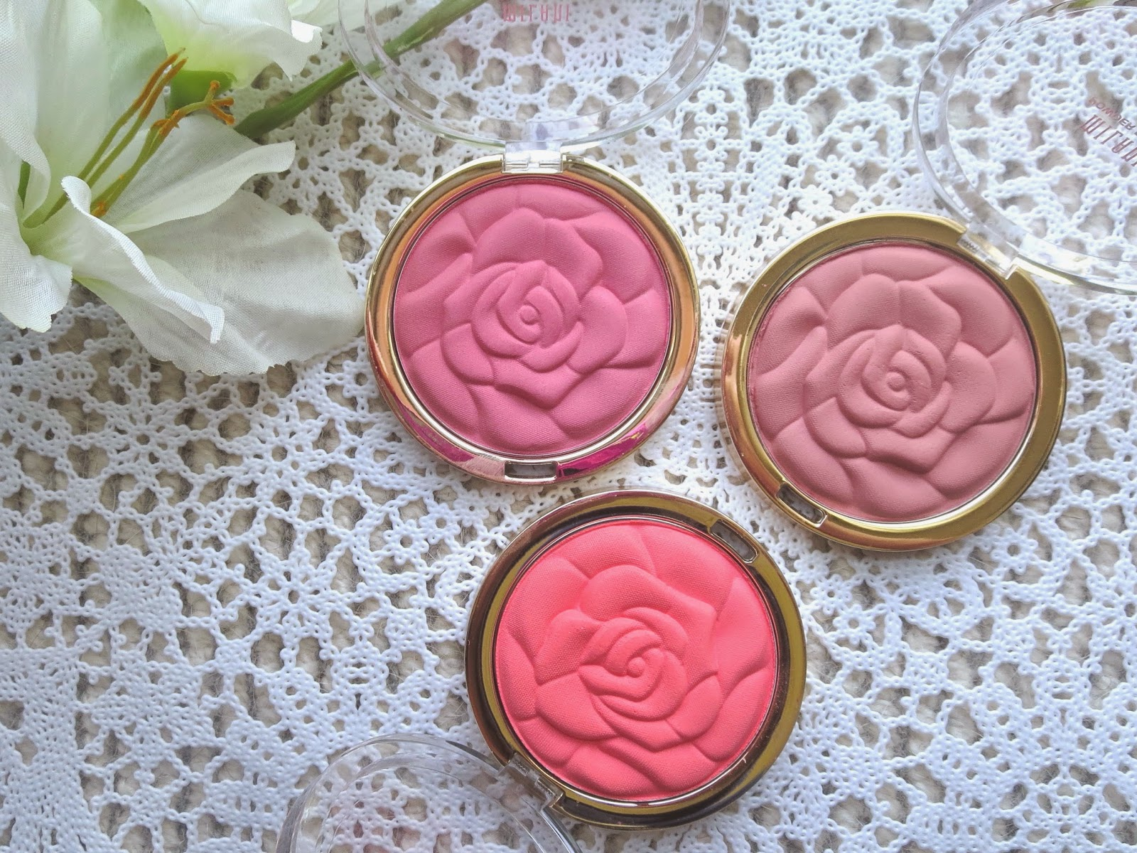 a picture of Milani Rose Powder Blush ; Tea Rose, Romantic Rose, Coral Cove