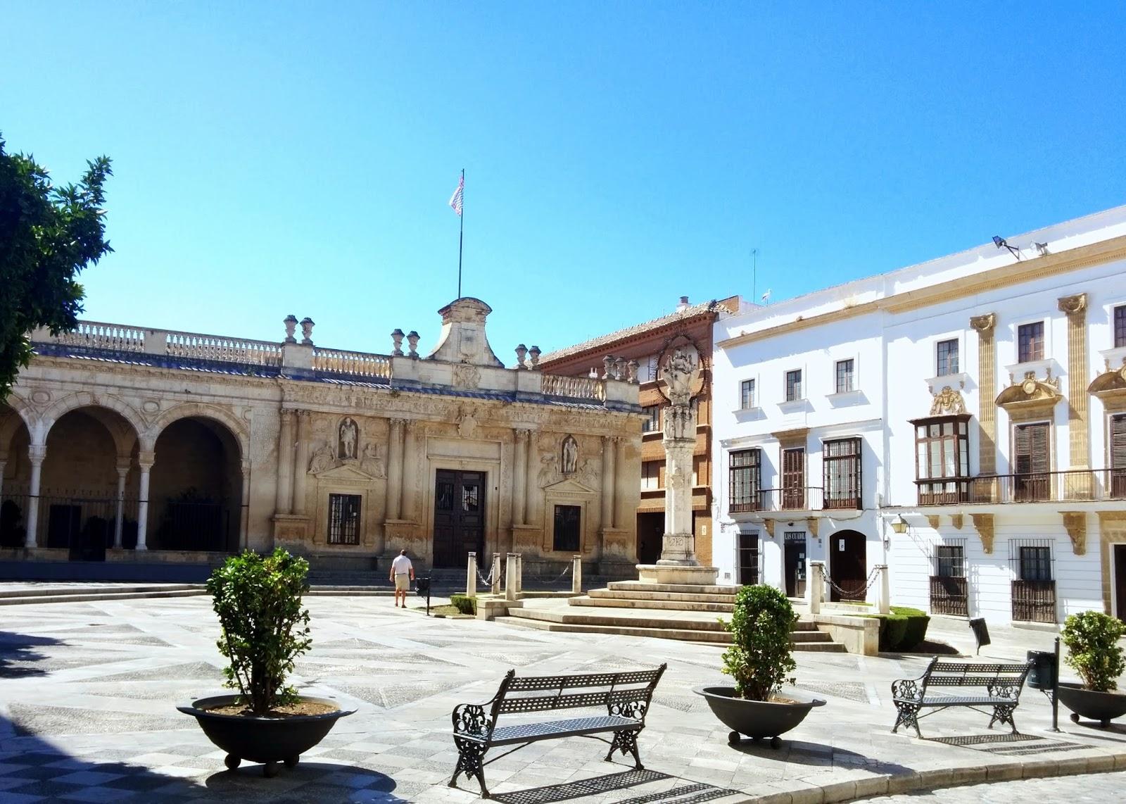 Jerez church  |  Postcard from Andalucía: Jerez + Carmona  on afeathery*nest  |  http://afeatherynest.com