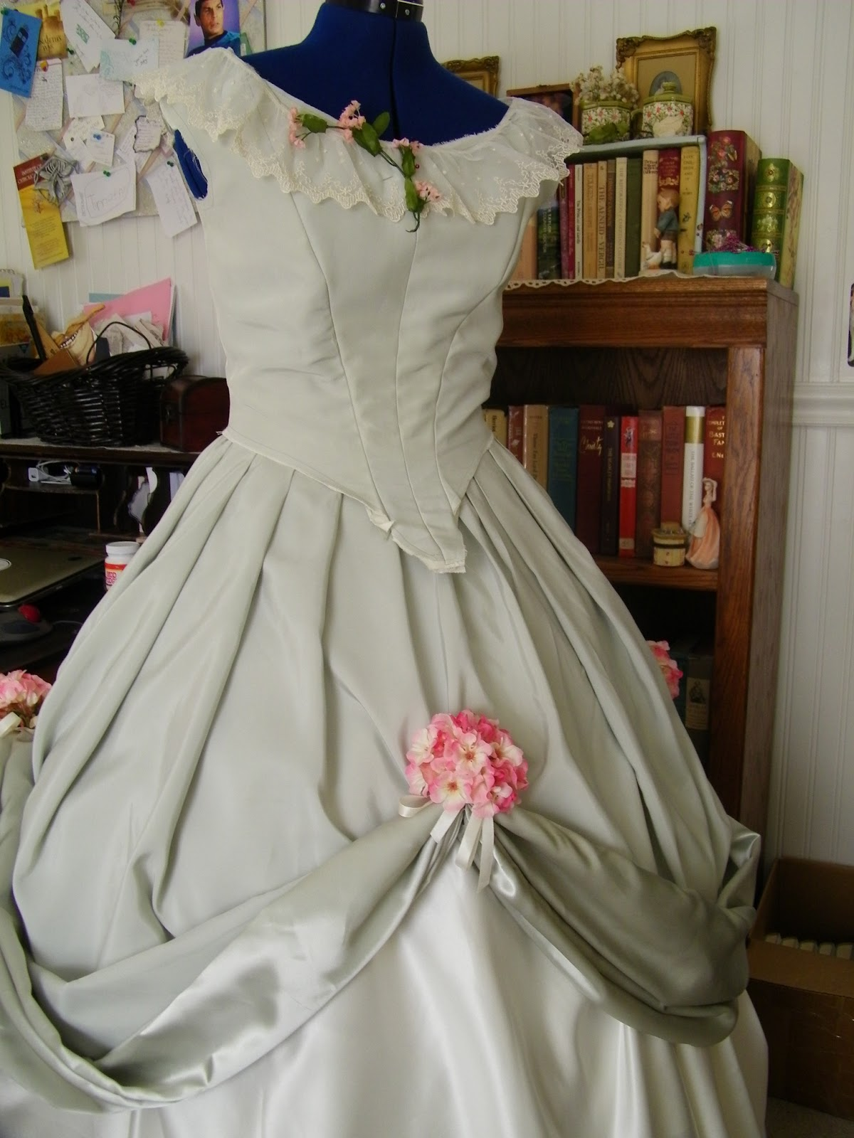The Touch of Whimsy: Diary of a Dress: Civil War Ball Gown! {two}