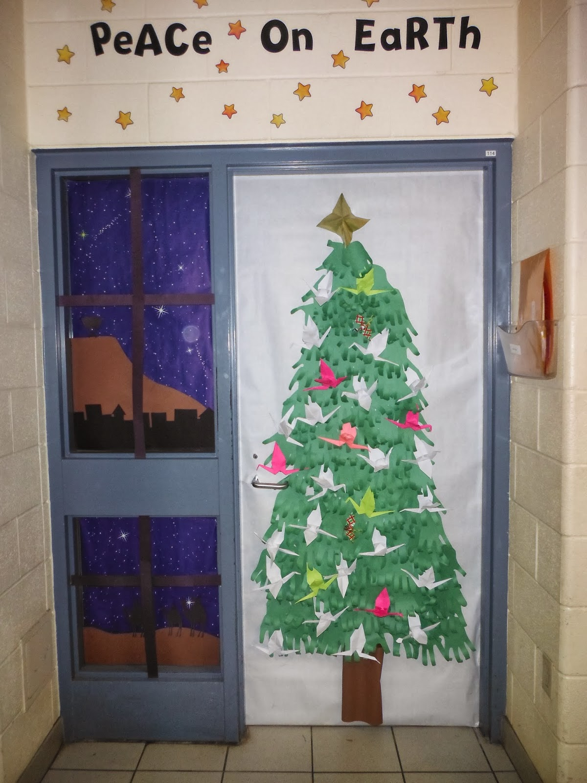 Images Of Classroom Window Decoration ~ Christmas door decorations for elementary school don t