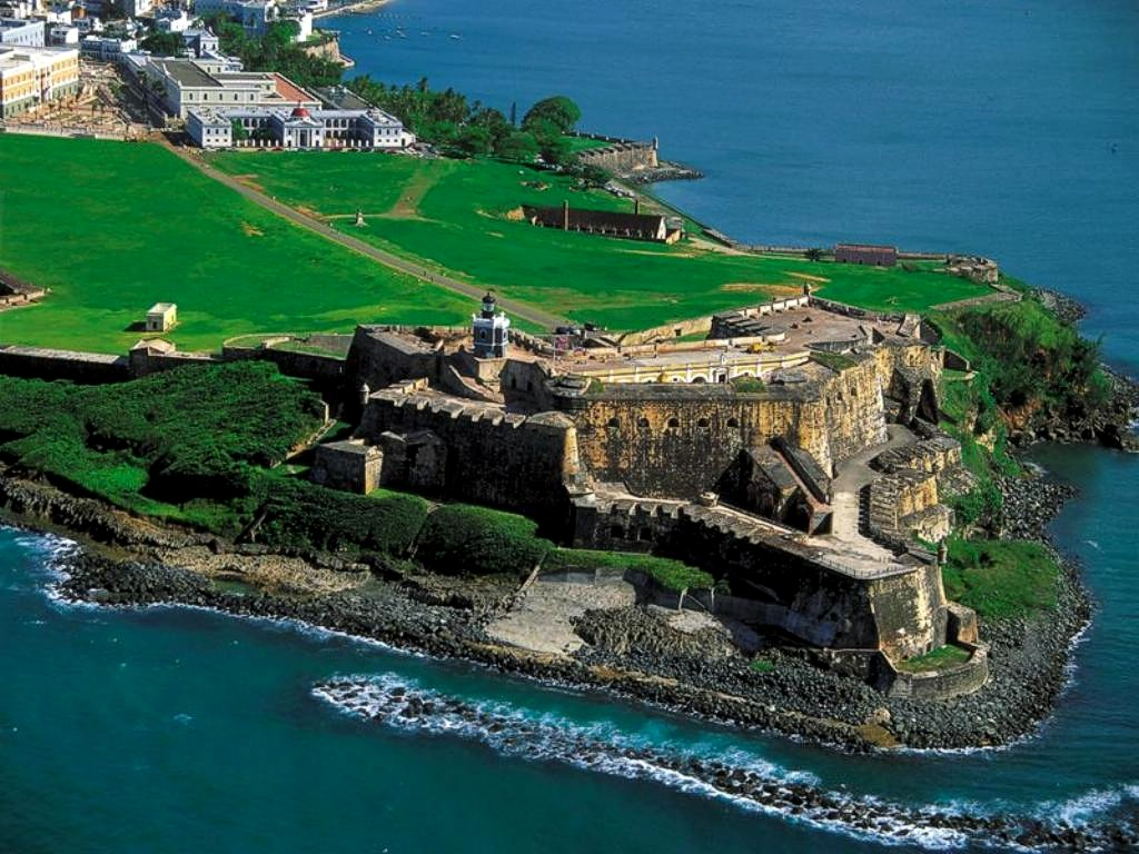 http://1.bp.blogspot.com/-j3zEvff9HPo/T-AHvKmEHwI/AAAAAAAANYY/pkvz_wsu1_Y/s1600/El+Morro+Fort+San+Juan+-+Puerto+Rico.jpg