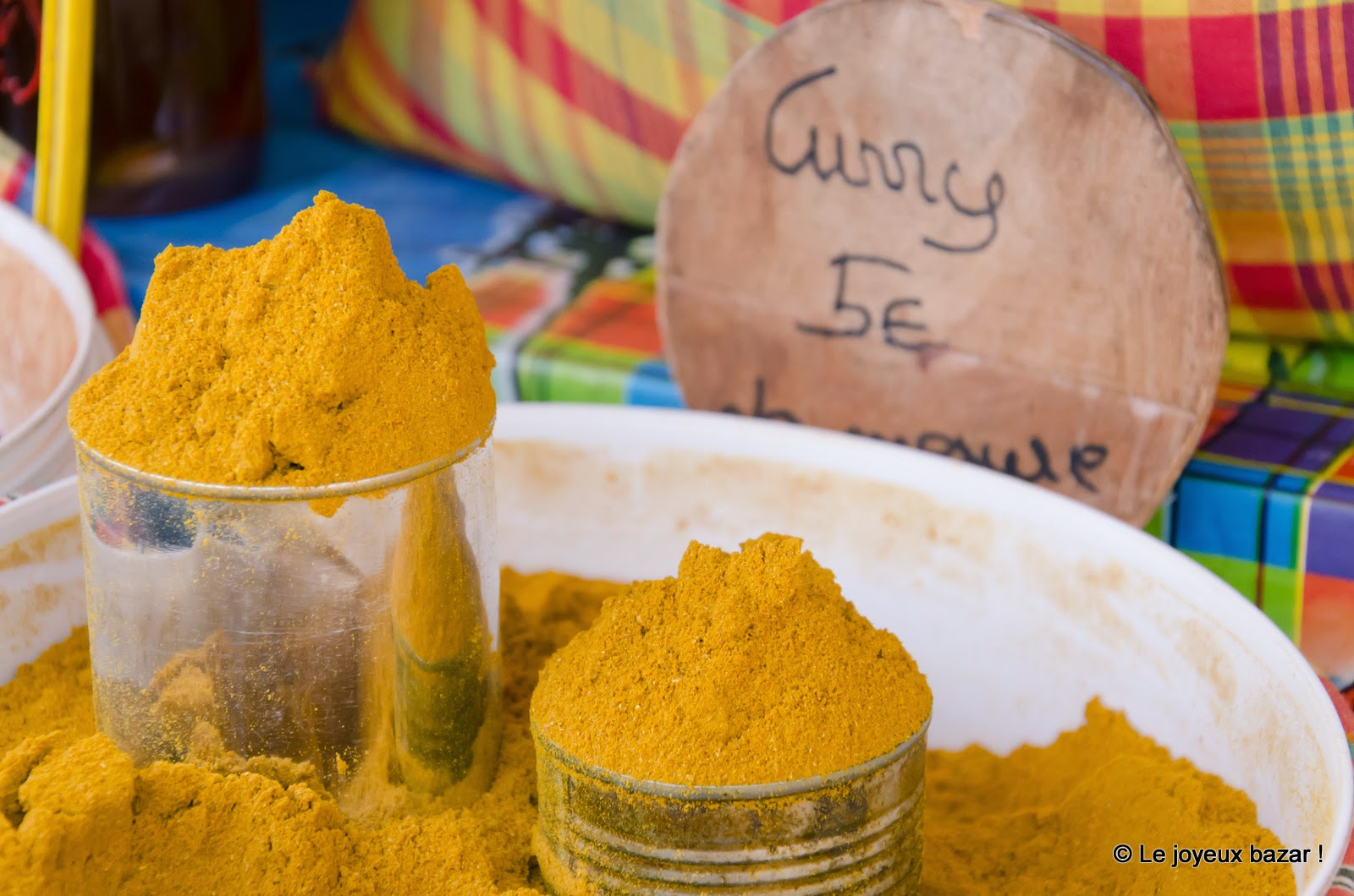 Guadeloupe - Pointe à Pitre - marché  aux épices - curry