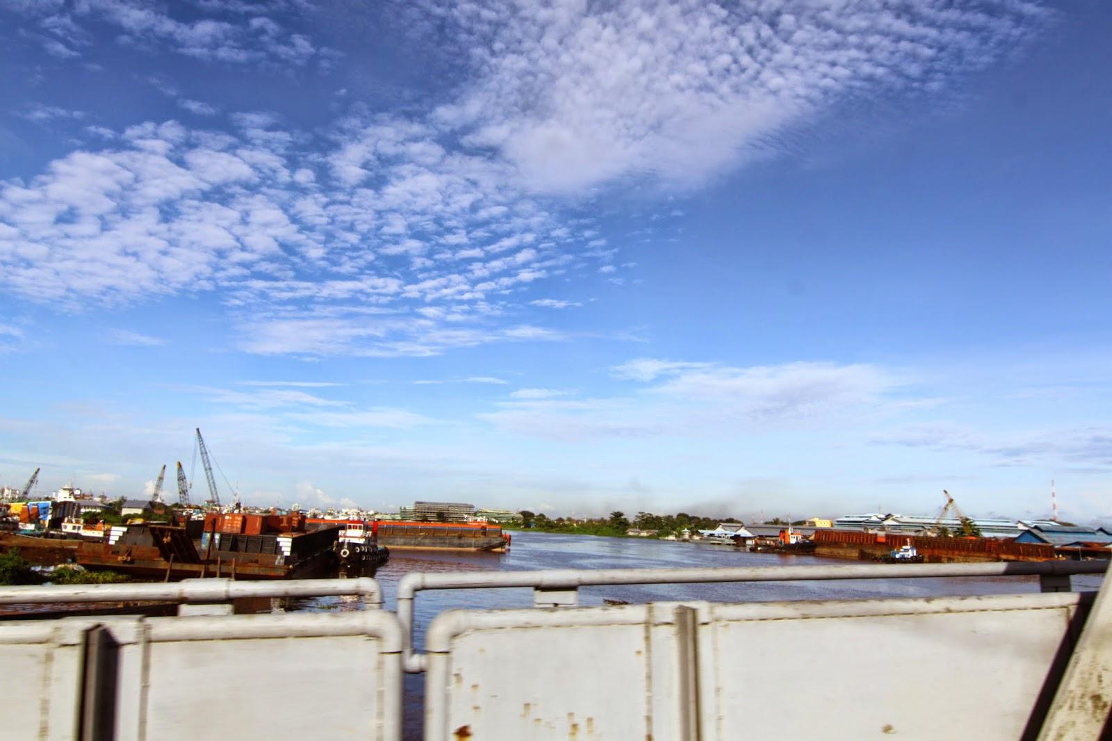 jambatan Sungai Kapuas, sungai utama di Pontianak