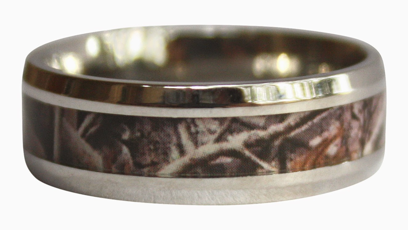 camouflage ring review outdoorsman wedding band CAMO RING that is solid and rugged looking for you or your boyfriend fiance or husband whether to be used as a CAMO WEDDING BAND or CAMOFLAGE ENGAGEMENT