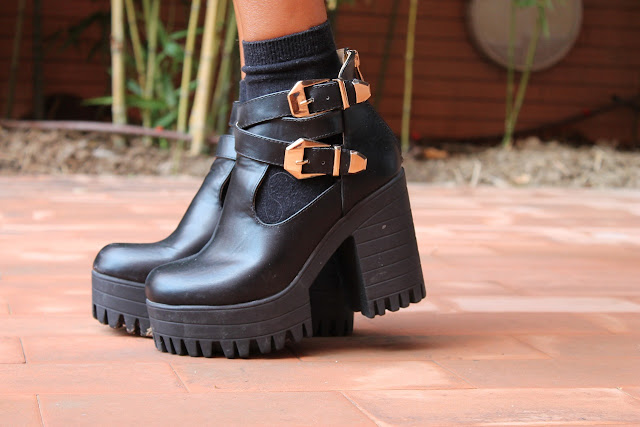 Look, Street Style, Blog de Moda, Carmen Hummer Style, Boots, Skirt, blazer