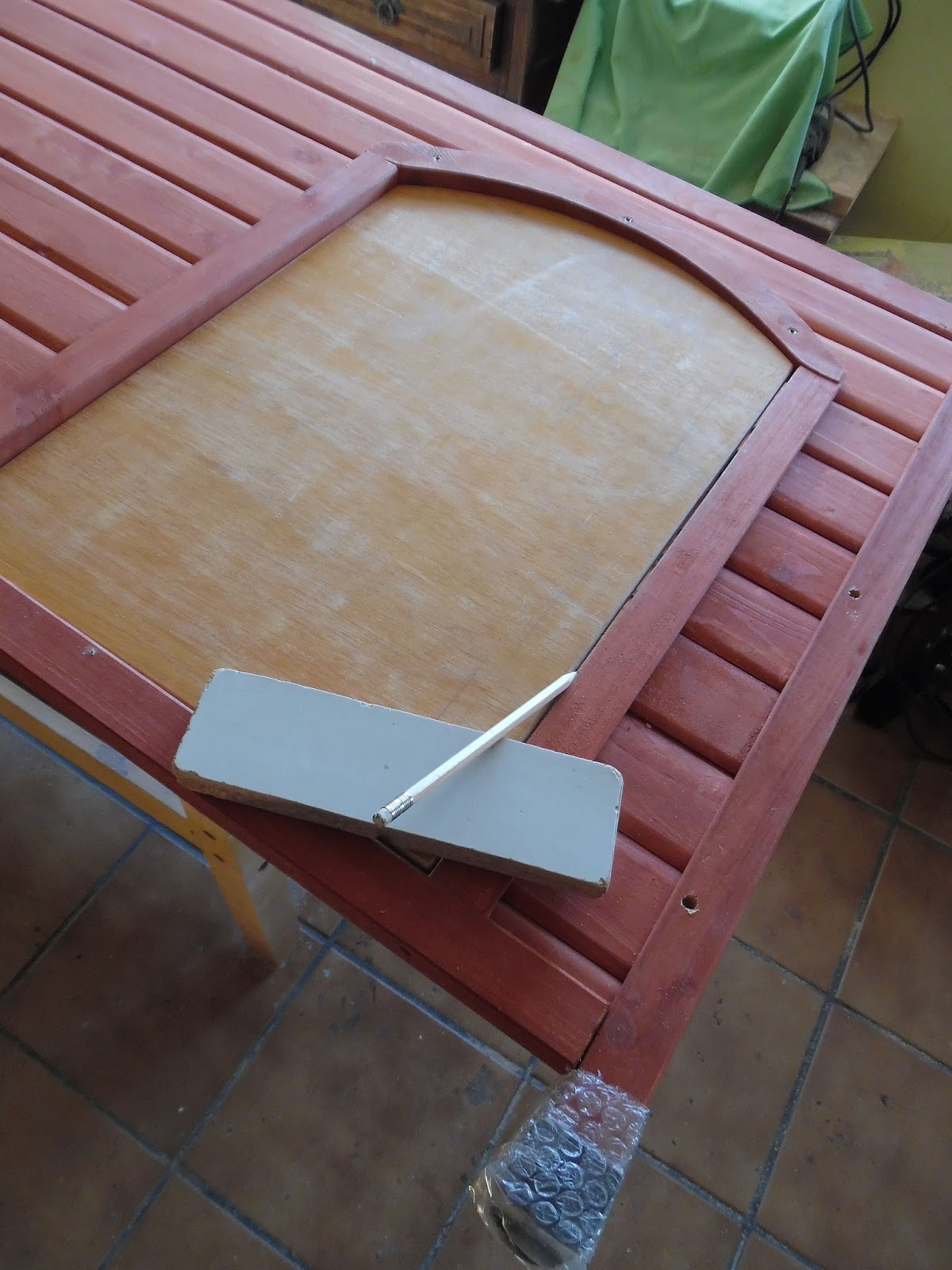 Hacer una puerta de madera cheap puerta de madera de - Hacer puertas de madera ...