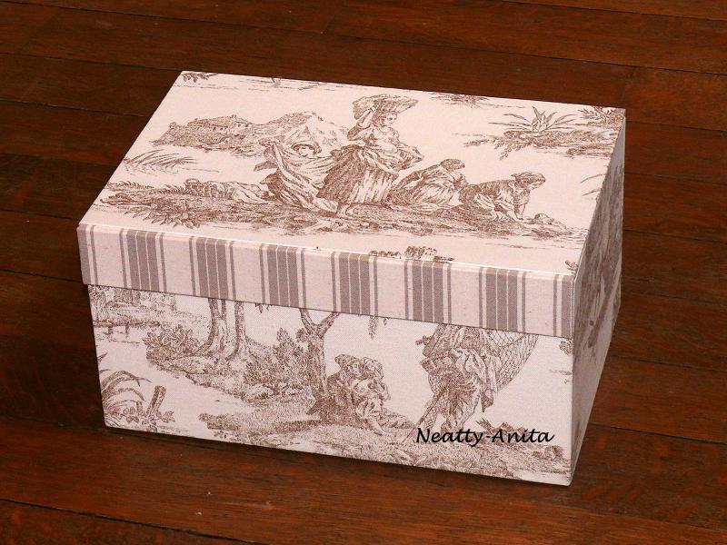Le blog de neatty cartonnage une grande bo te couture for Boite mercerie