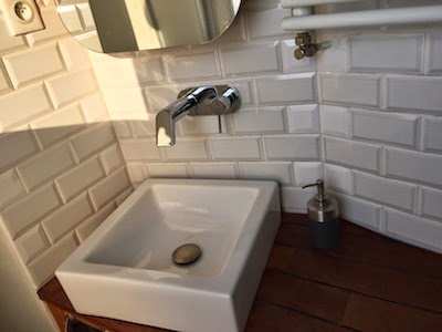 Diy une douche sur mesure la clamartoise for Carreau blanc salle de bain