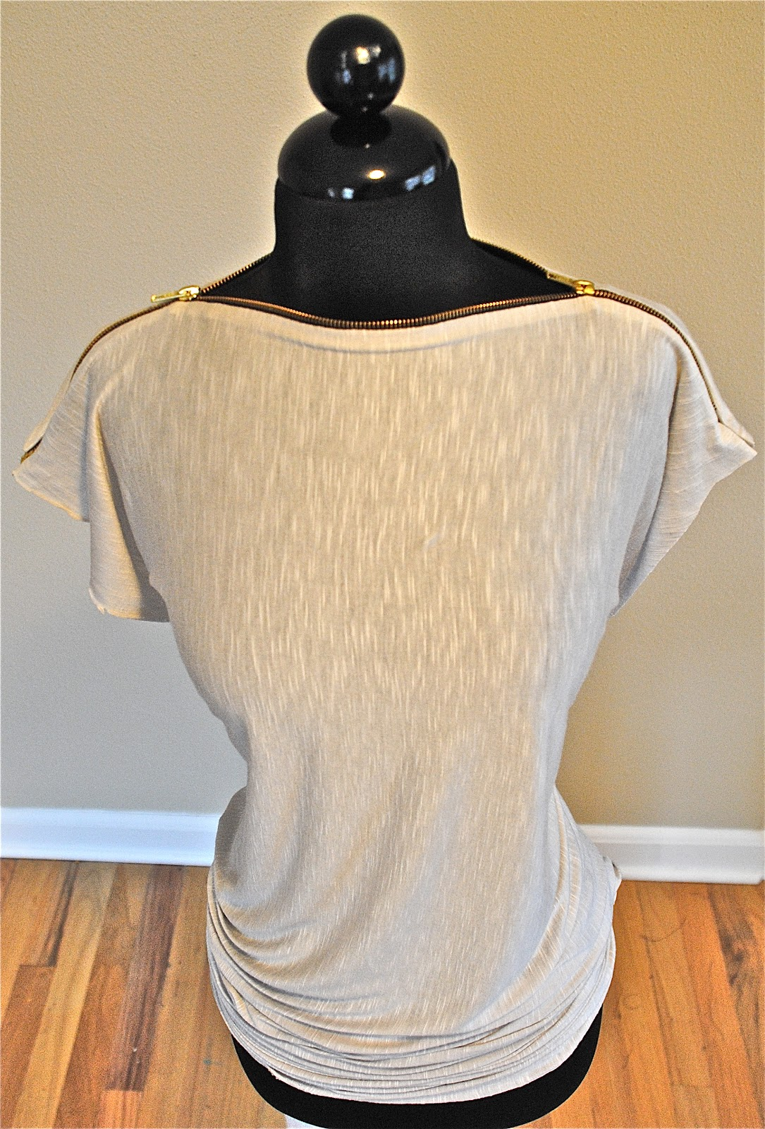 My Zipper Tee DIY tutorial...Tshirt Recycle