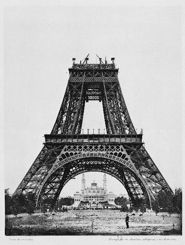 Fotos da construção da Torre Eiffel de 1889