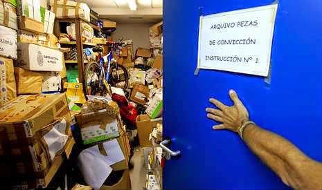 Miles de objetos utilizados como pruebas en juicios se almacenan en las dependencias de instrucción. óscar vázquez