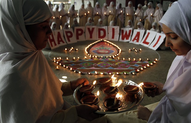 Deewali greetings,wishes,diwali,festiwal,deewali,photography,deepawali,images,photos,rangoli,special,earthen lapmps,firework,photograph,hd,high resolution,picpile