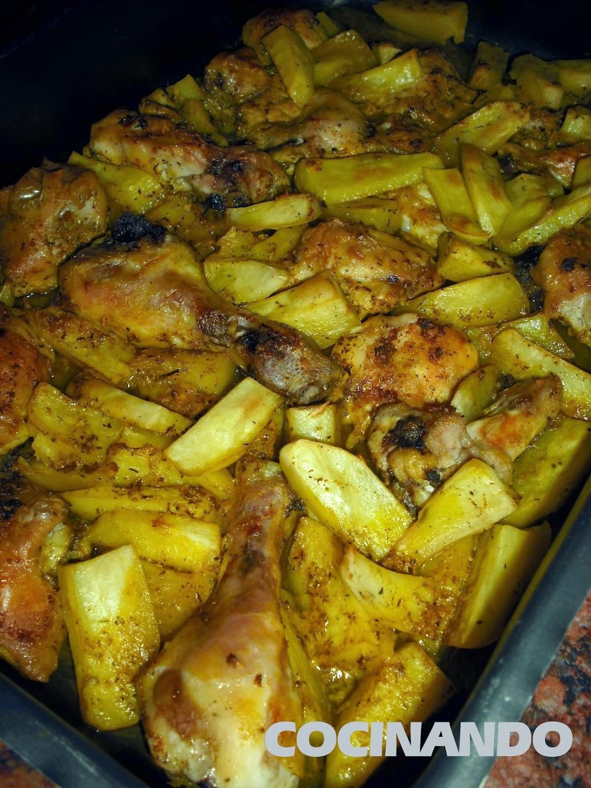 Cocinando pollo al horno con patatas - Pollo al horno con limon y patatas ...