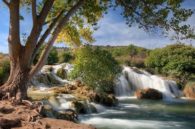 Río en las montañas - River at the mountains