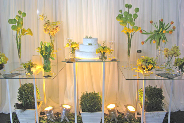 decoracao de casamento azul e amarelo simples : decoracao de casamento azul e amarelo simples:amarelo desperta a alegria e a criatividade. Diminui a ansiedade e