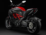 Gambar Motor. Picture of 2013 Ducati Diavel Carbon 4