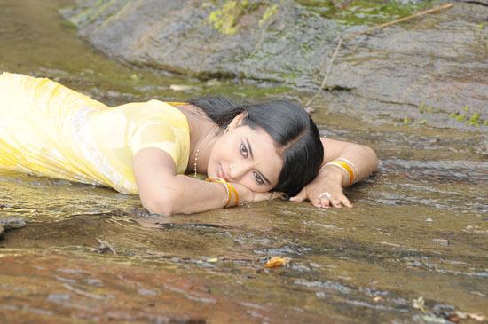 kadhalai kadhalikkiren movie anjali joyi saree actress pics