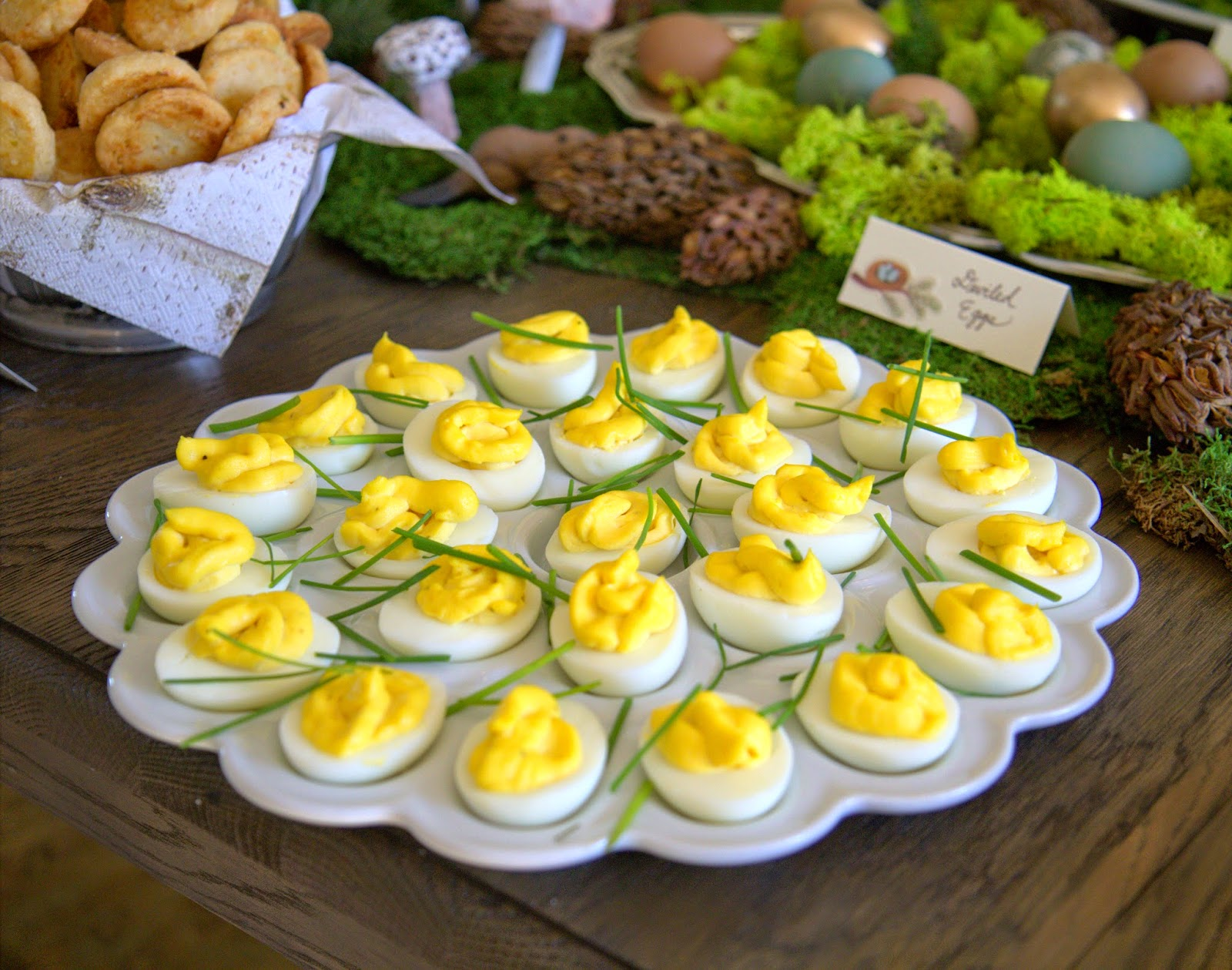 Woodland Party; Deviled eggs with chives; party food: Nora's Nest