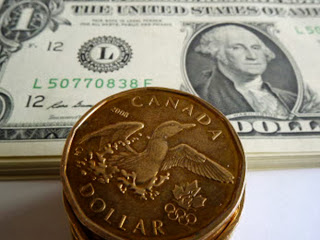 Canadian Dollar Reaches Seven-Week Low as Fed Maintains Stimulus