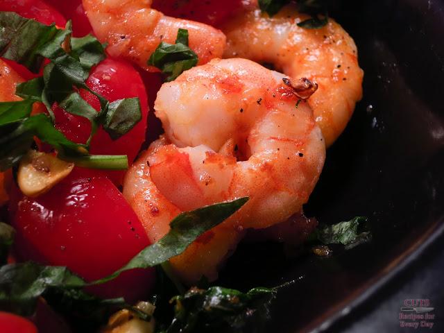 seafood salad, tomato, summer, basil, oil
