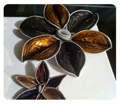 Flores con cápsulas de café