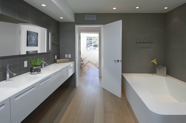 Picture of one of the modern bathrooms