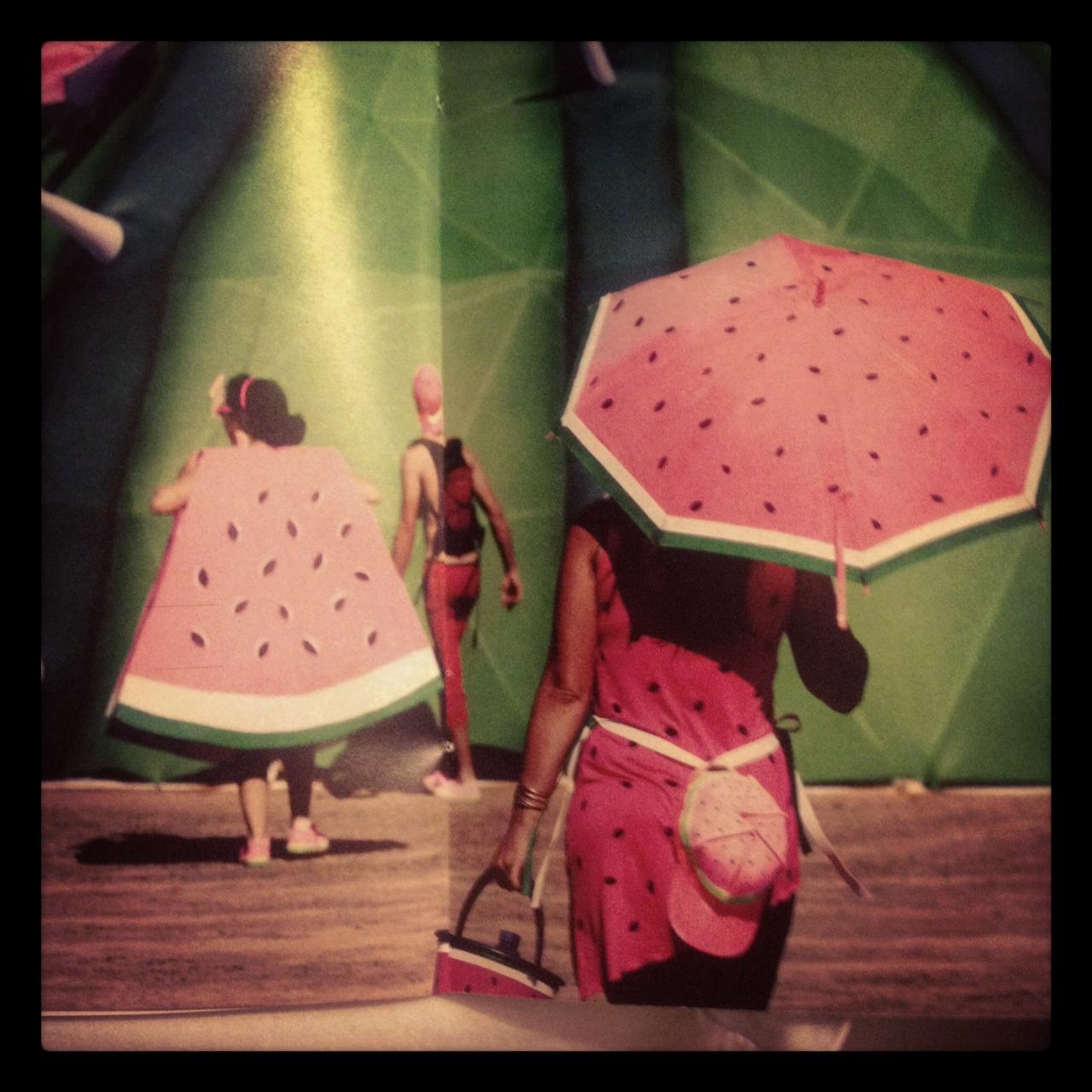 http://1.bp.blogspot.com/-j77UOeFnBl4/T8yvnz3F2-I/AAAAAAAAGCU/1GGgSAWZjaI/s1600/WatermelonObrigado.JPG