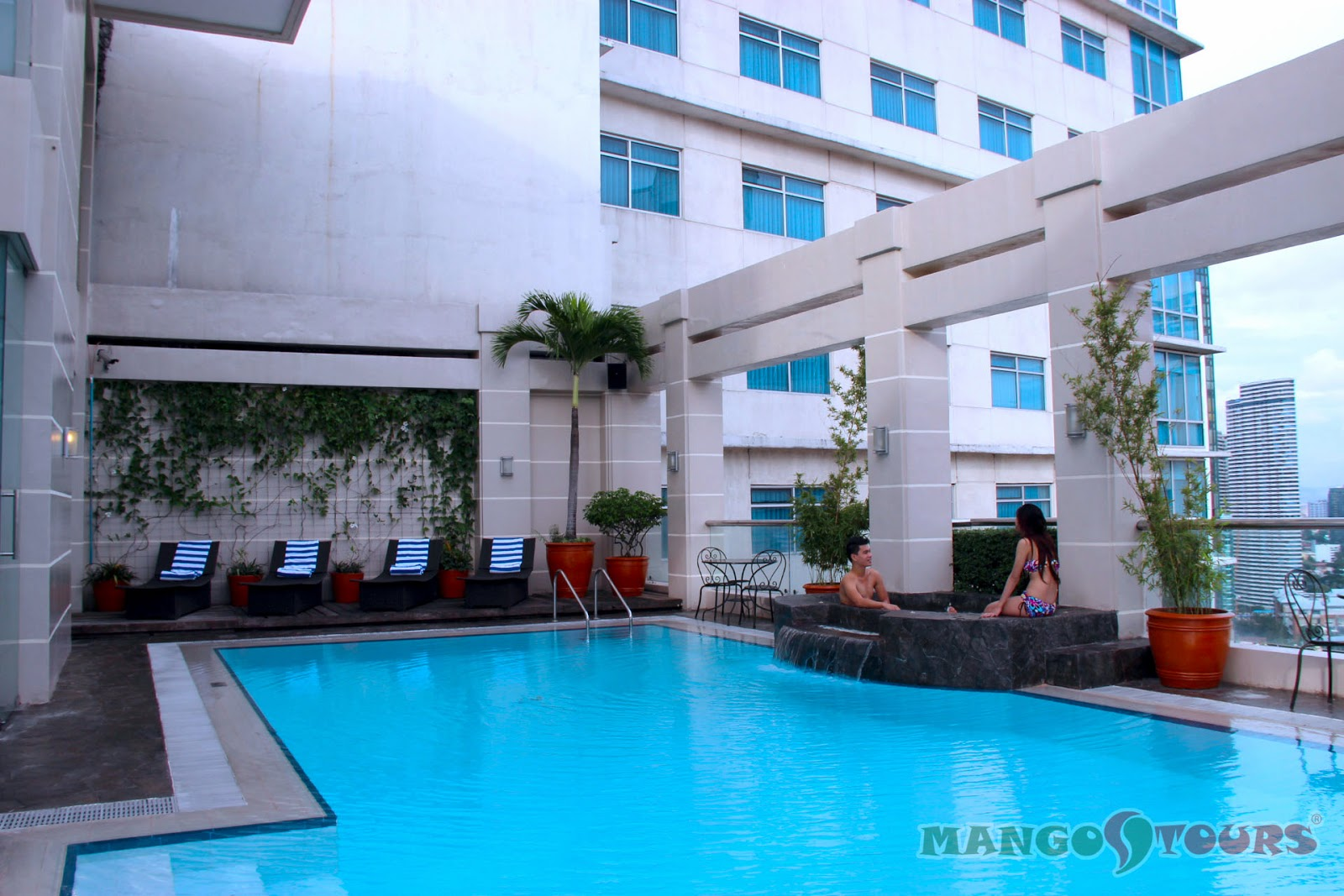 City Garden Hotel Makati roof deck pool