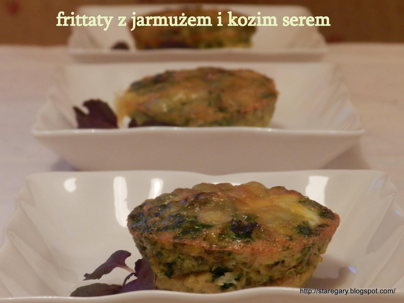 Małe frittaty z jarmużem i kozim serem