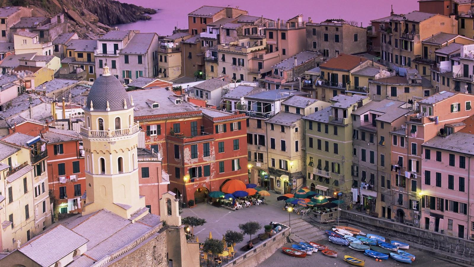http://1.bp.blogspot.com/-j7IDGOZyj-E/UA1PuW1e5tI/AAAAAAAAAPE/WNaQu6g5y34/s1600/Vernazza+Village+and+Harbor+at+Dusk,+Cinque+Terre,+Italy.jpg