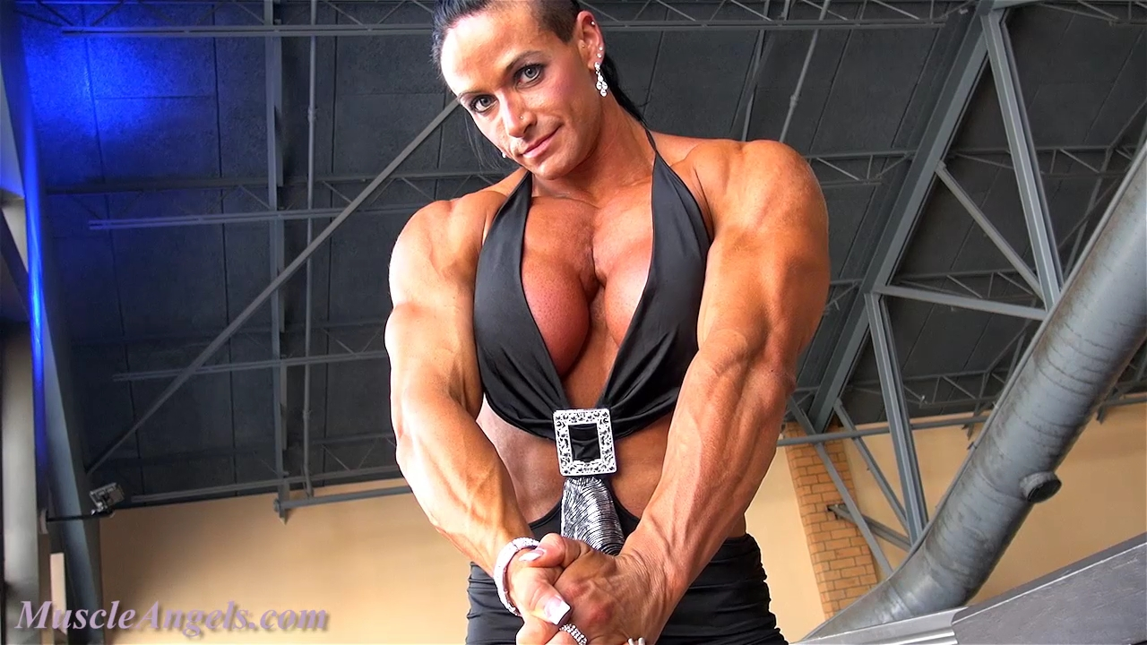 Весело живем Theresa_ivancik_magnificent_muscle.mp4_000079646