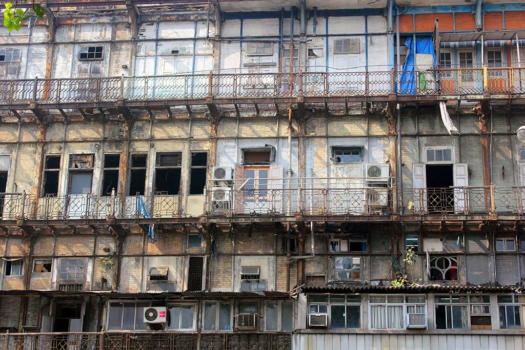Run-down Mumbai building