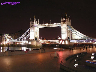 Tower Bridge notte