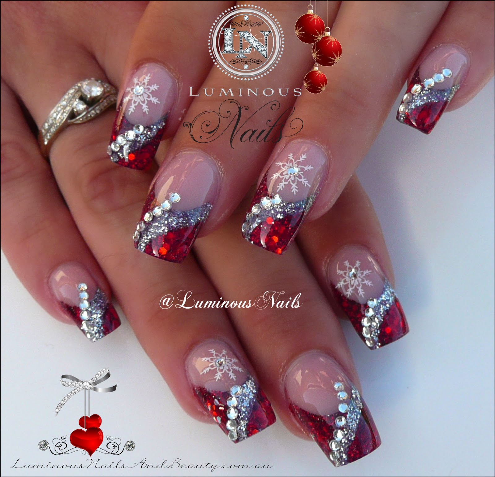 Glitter christmas nail designs glitter christmas nail designs 20 fantastic diy christmas nail art designs that are prinsesfo Image collections