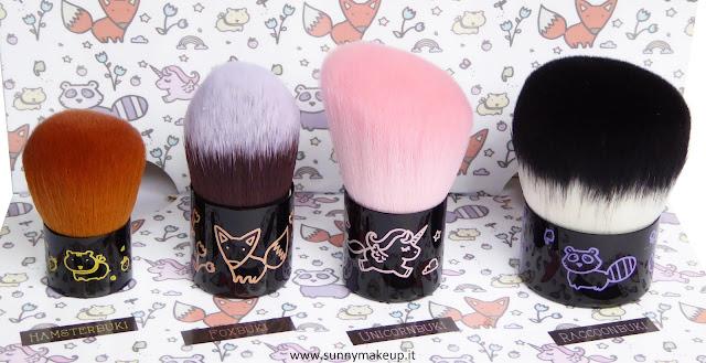 Neve Cosmetics - Nevebuki. Da sinistra verso destra, i pennelli: Hamsterbuki, Foxbuki, Unicornbuki e Raccoonbuki.