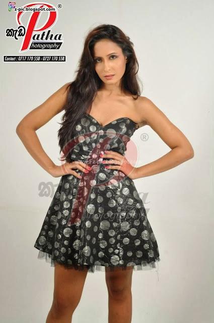 Sri Lankan model Dinushi Rosheen photo