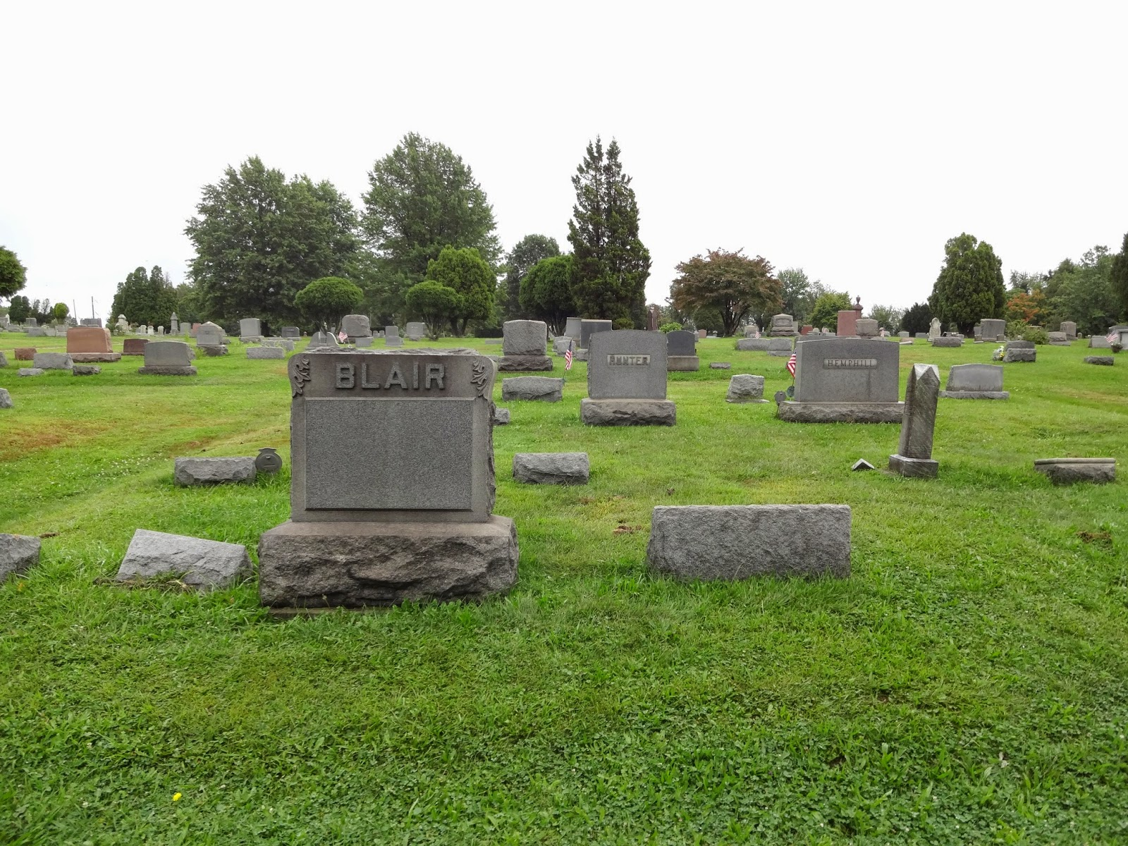 """""""NIGHT OF THE LIVING DEAD"""" CEMETERY"""