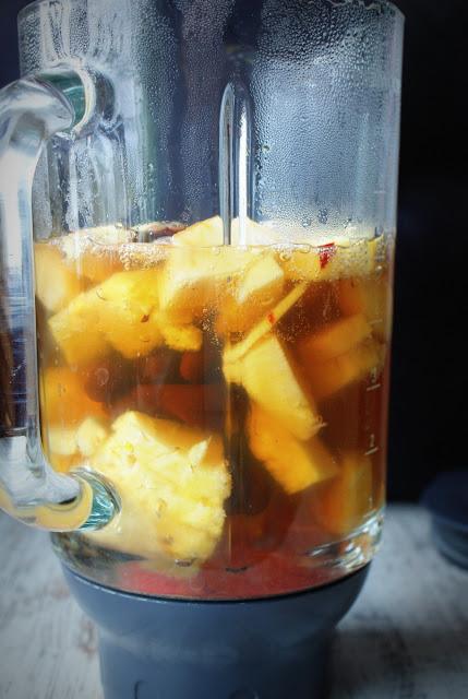 Symbio,koktajl z acai,acai,siemię lniane,grajpfrut,ananas,banan,jagody goji,detoks,oczyszczanie,odchudzanie,wzmacnianie,odżywianie,
