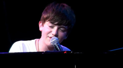 Greyson performing HOTTN in Singapore - ATV Episode 4 Video