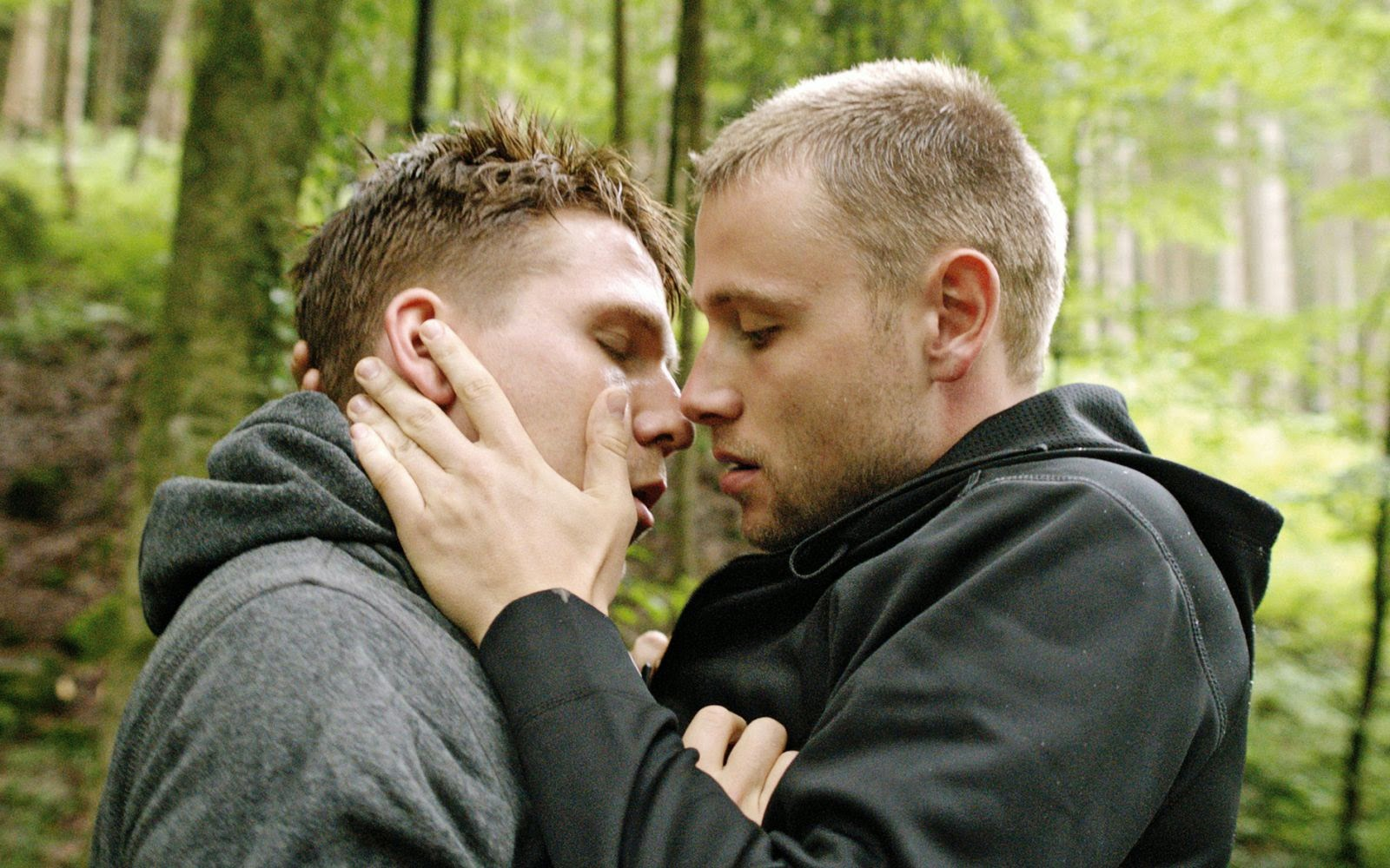 Picture of max riemelt - Tuesday August 5 2014