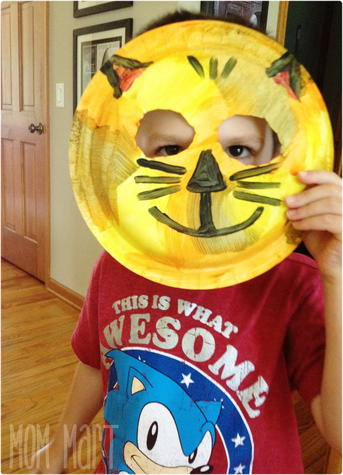Playing with the Cat Paper Plate Mask ... & Mom Mart: Paper Plate Animal Masks #CraftForKids