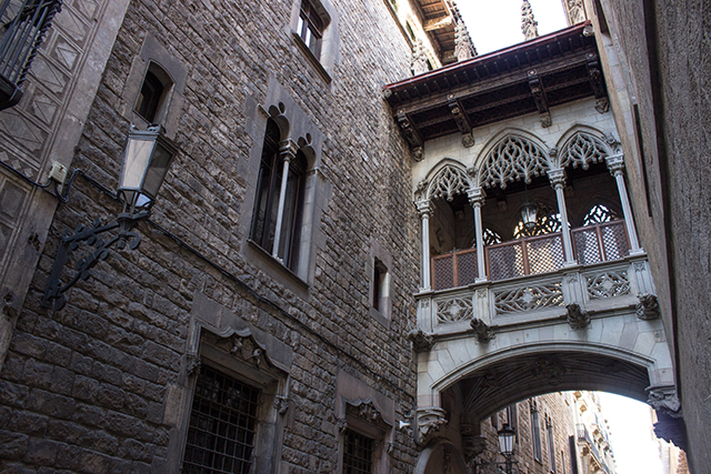 carrer del bisbe barcelona