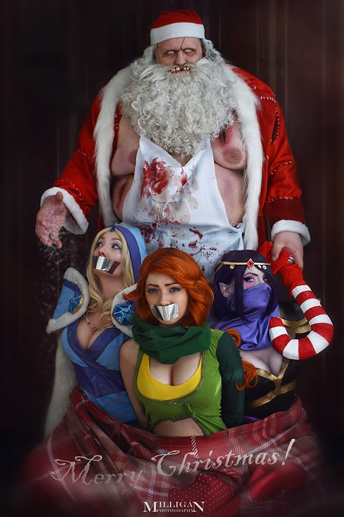 cosplay trash pere noel ayant kidnappé 3 cosplayeuses
