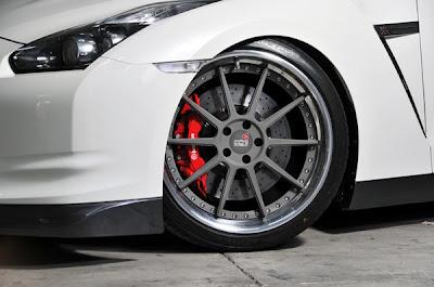 Nissan GTR Branco