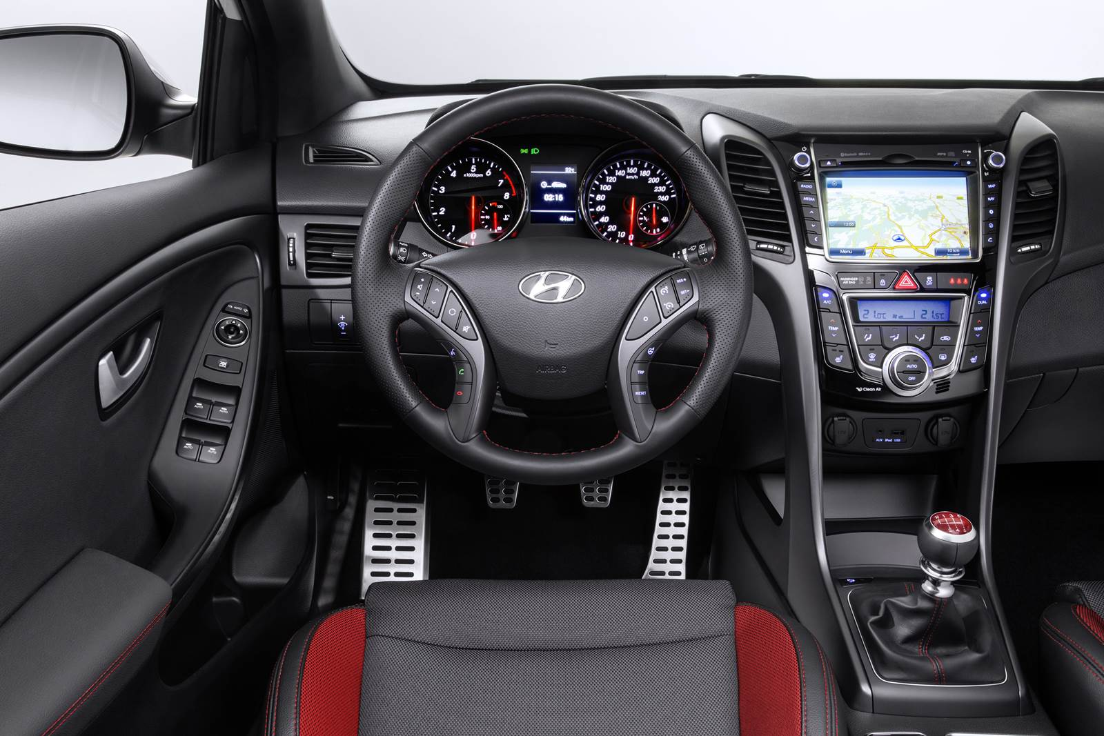 Hyundai i30 Turbo - interior